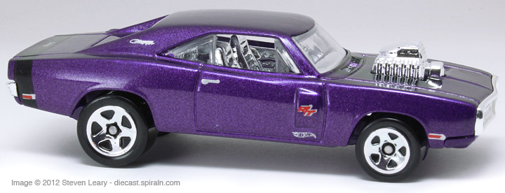 Hot Wheels 70 Dodge Charger R T